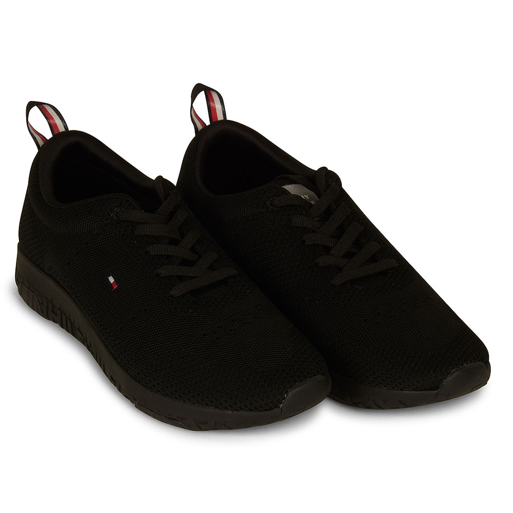 Corporate Moder Trainer in Black