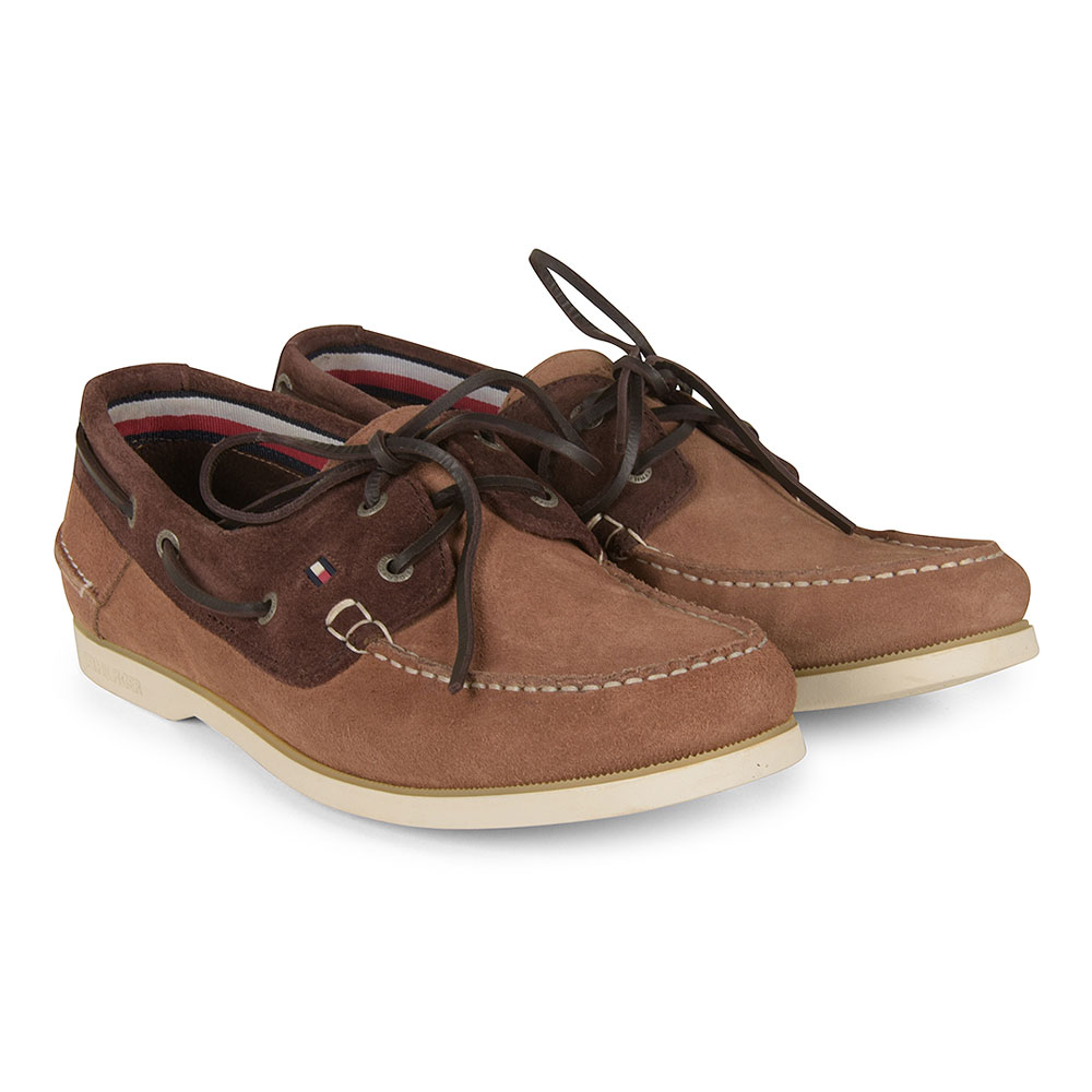 Classic Boat Shoe in Brown