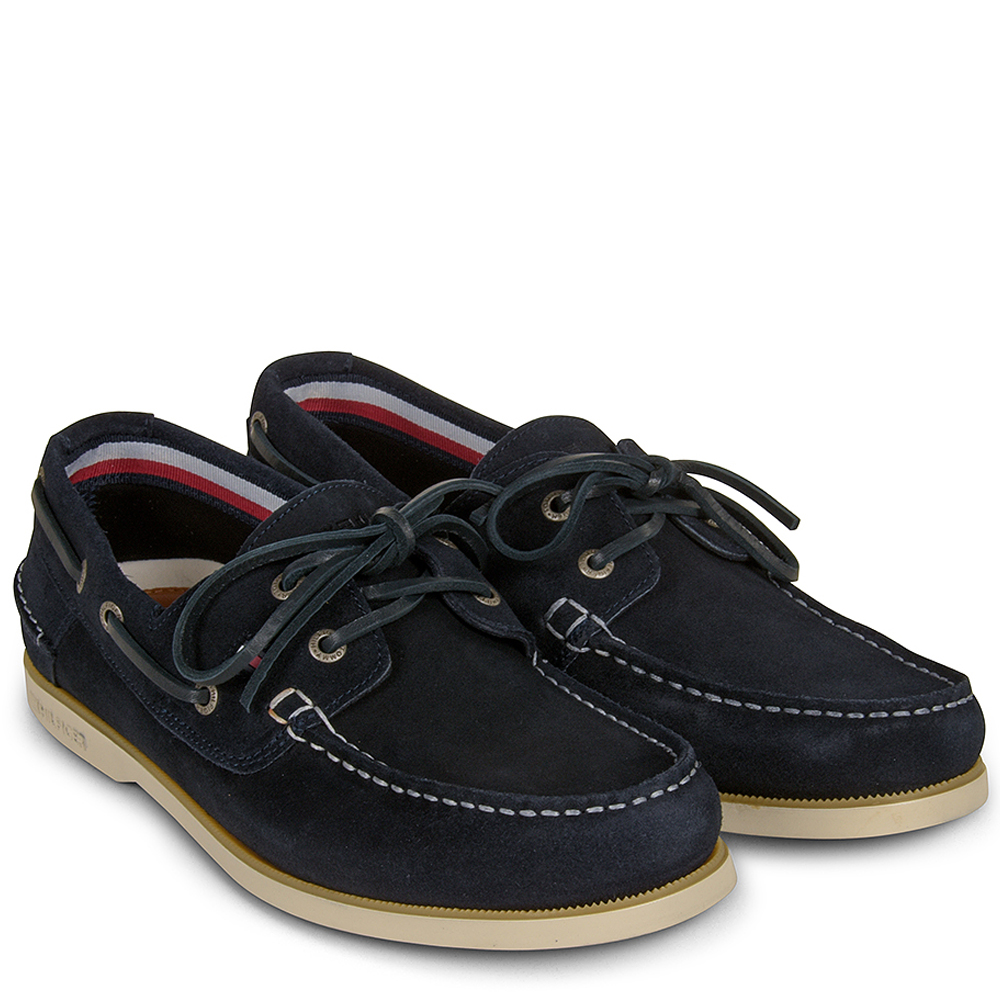 Classic Boat Shoe in Navy