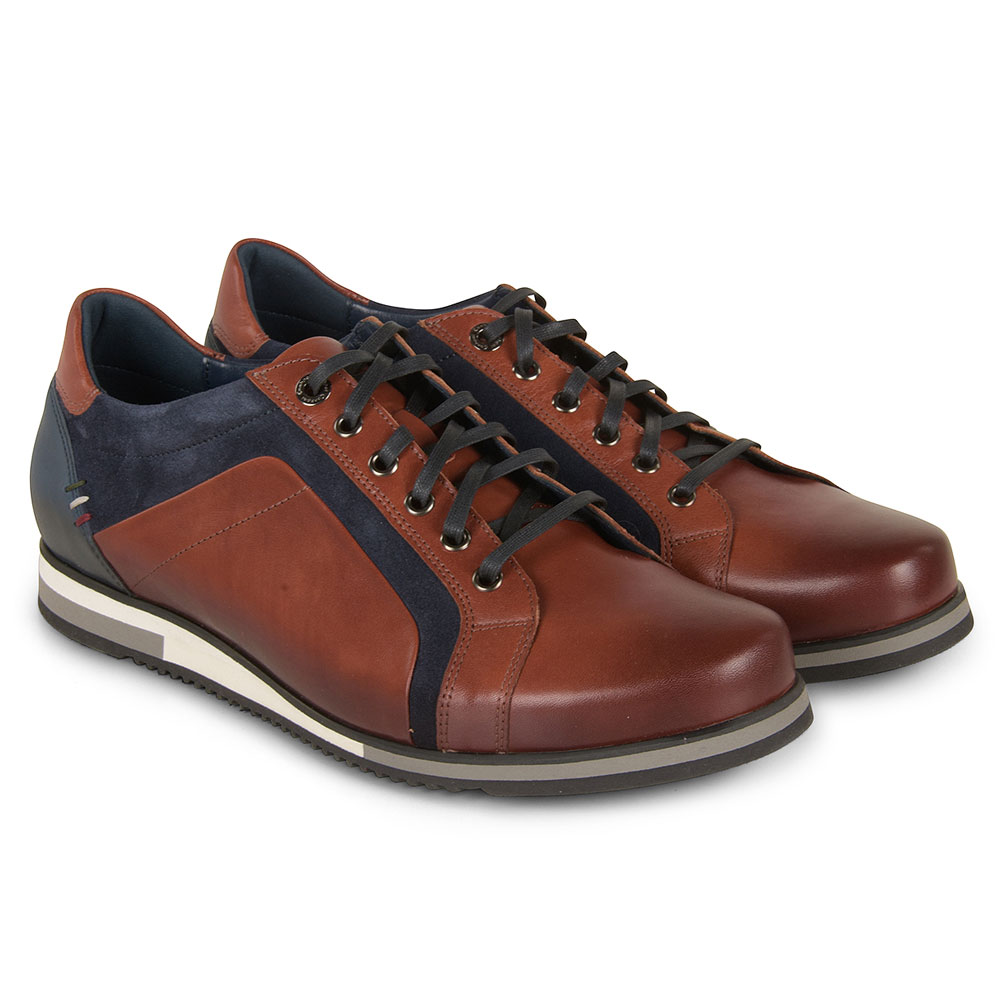 Conhpol Shoe in Brown